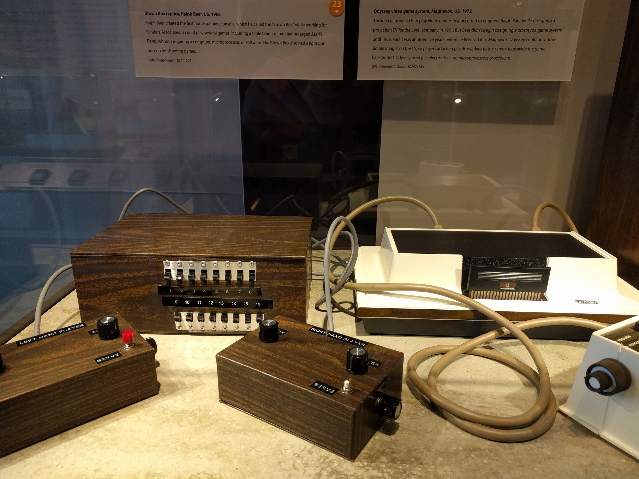 A replica of a 1968 game console. Nice finish!