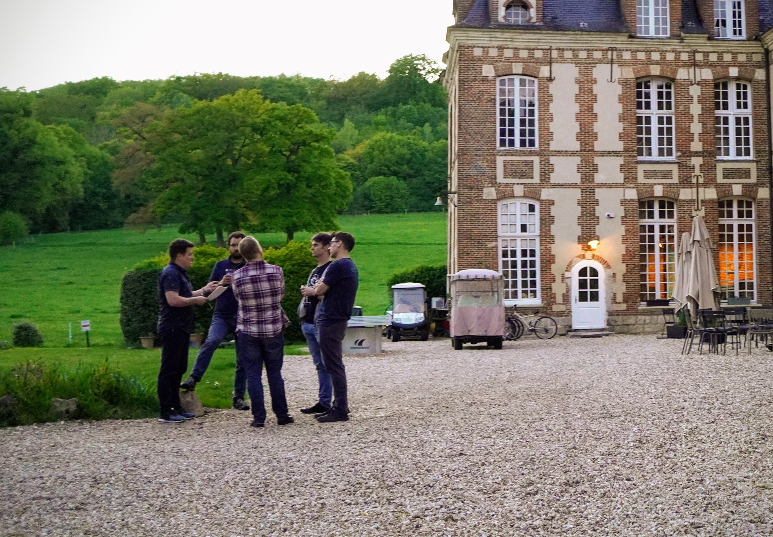 chateau_w_people.jpg