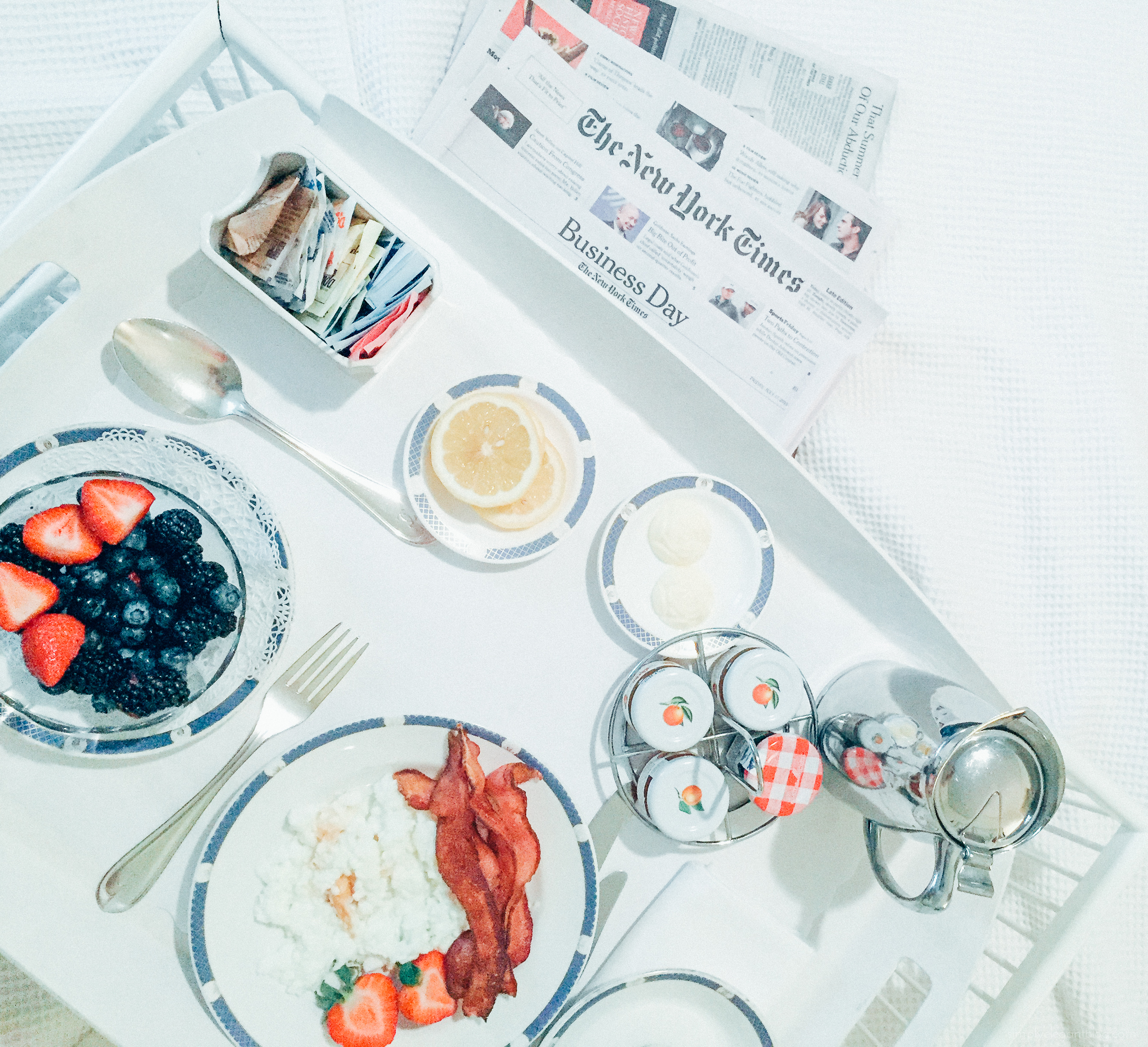 nyc-breakfast-in-bed