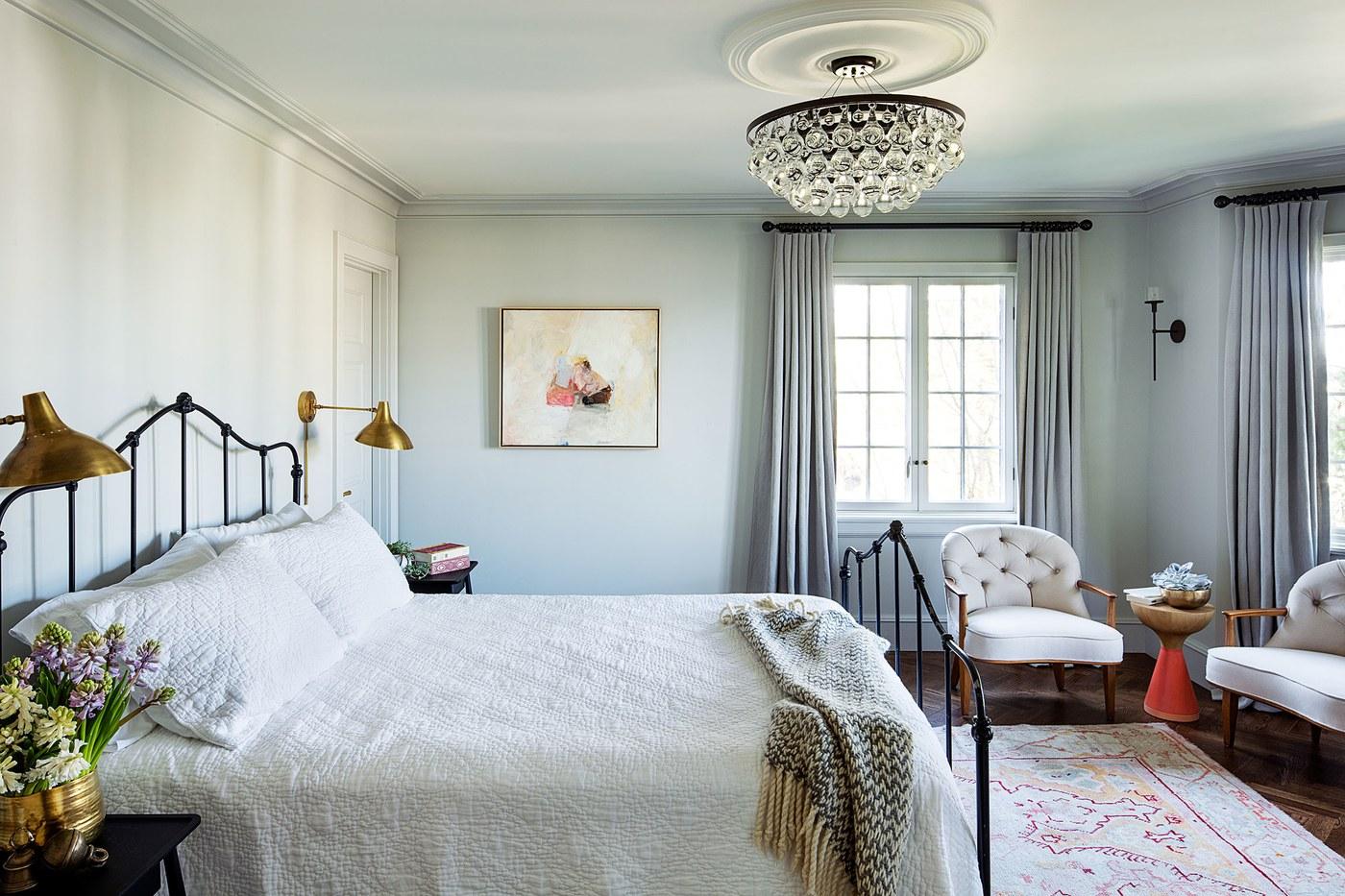 Oregon Home Design by Jessica Helgerson. Master Bedroom.