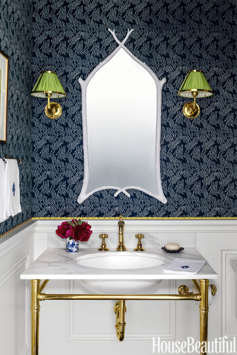 ashley-whittaker-bathroom-0318-1517932409.jpg