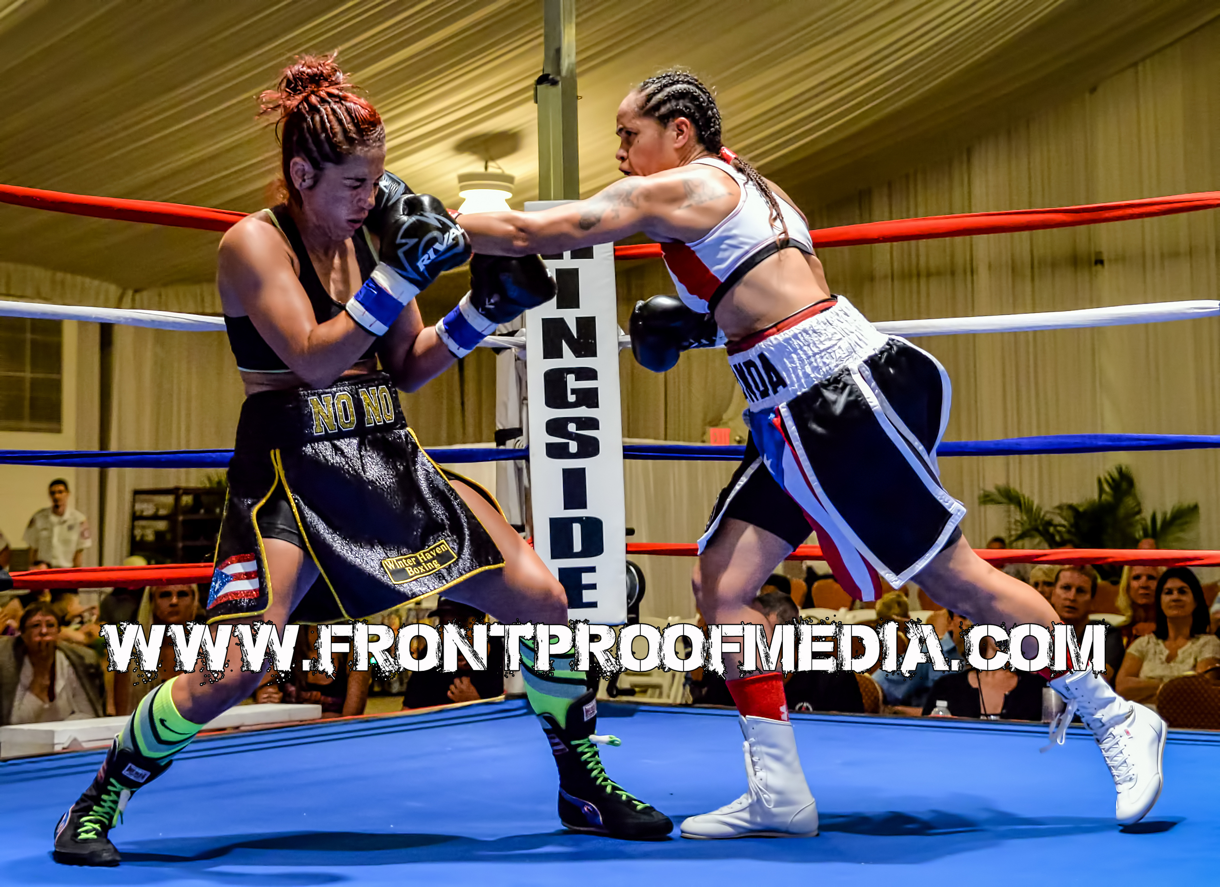 Marisol Miranda Lands a counter left hand on Noemi Bosques during their title fight