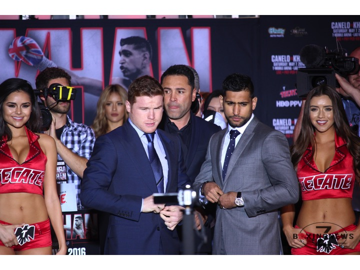 Canelo Alvarez & Amir Khan pose for pictures at the conclusion of their Los Angeles press conference. Photo: Harvey Feliciano/Z-BoxingNews-FrontProofMedia.com