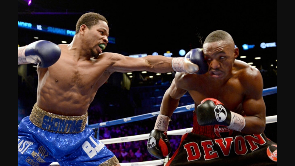 Shawn Porter lands a left jab on Devon Alexander in a dominating performance. Shawn Porter won the IBF welterweight championship in this fight. Photo: Naoki Fukuda/RingTV