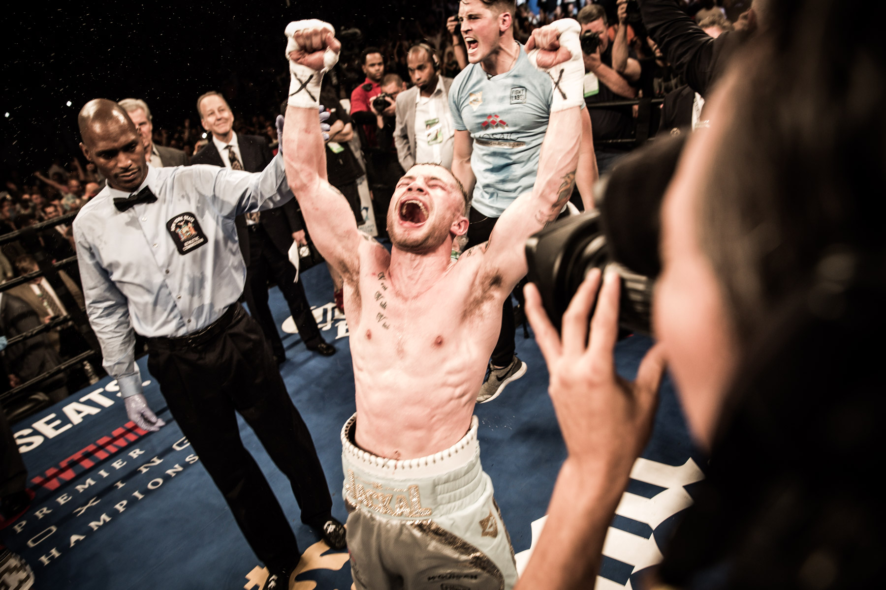 Carl Frampton celebrates after hearing the judges' scorecards in his favor. Photo: AmandaWestcott/SHOWTIME.