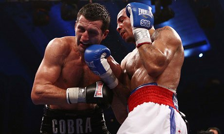 Andre Ward lands an uppercut on Carl Froch. Photo: Andrew Couldridge/Action Images