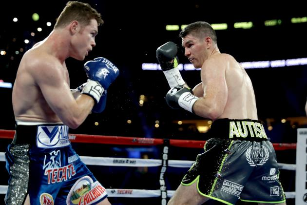 Canelo Alvarez defeated Liam Smith in September 2016 to win the WBO 154-pound title. Photo: Ronald Martinez/Getty Images