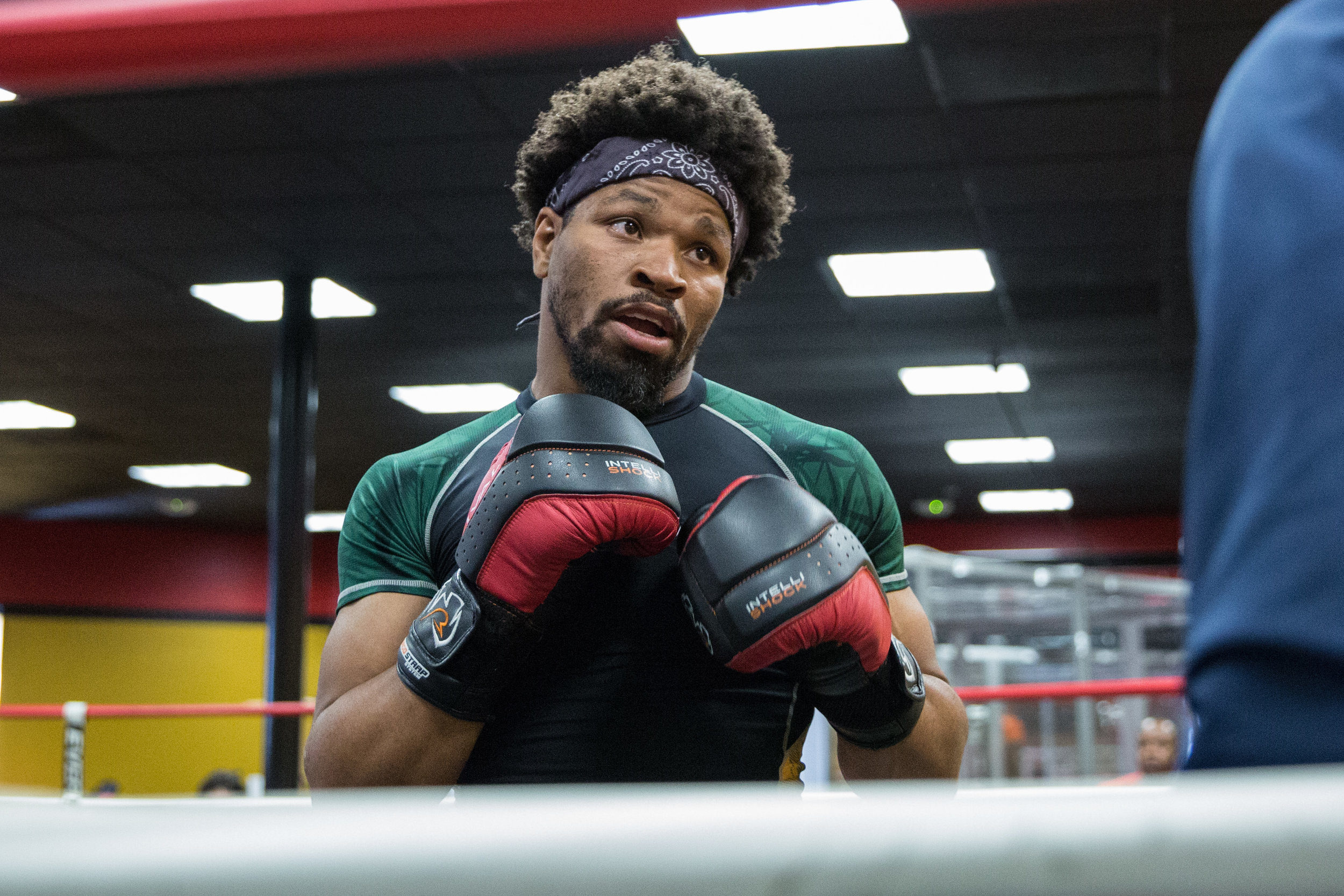 Shawn Porter puts in work in front of the media ahead of his clash with former world champion Andre Berto. Photo Credit:Ryan Greene / Premier Boxing Champions