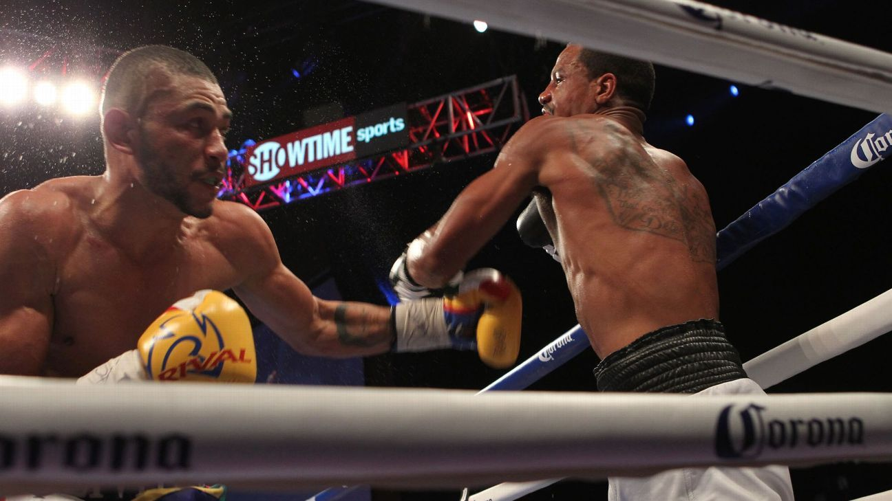 Andre Dirrell and Jose Uzcategui in the middle of an exchange.Photo: Tom Casino/Showtime