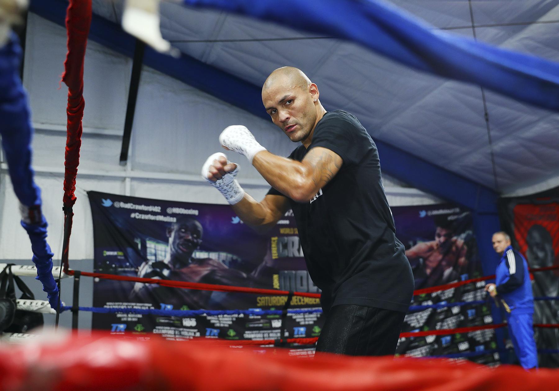 Mike Alvarado. Photo: Mikey Williams/Top Rank