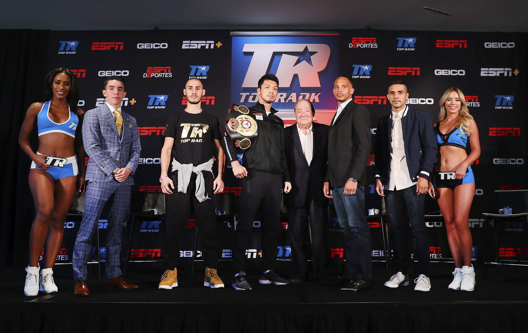The entire fight card. Photo: Mikey Williams/Top Rank