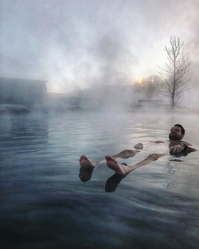 Made it through Monday, that means the rest of the week should be breeze right? 💅🏼 When visiting Iceland, we highly recommend skipping the more touristy spots *cough, Blue Lagoon, cough* and finding one of the more secluded hot springs to lounge in. We loved Secret Lagoon because it was less crowded & inexpensive making it feel like a more authentic {and affordable} experience!