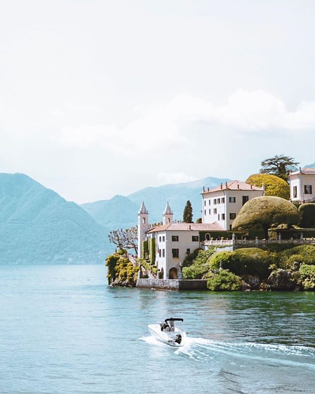 Didn't see George Clooney, but the summer colors of Lake Como made up for it 😍 Although I was hesitant about adding this stop along the route, it ended up being our favorite stop & the PERFECT place to kick off our anniversary trip!