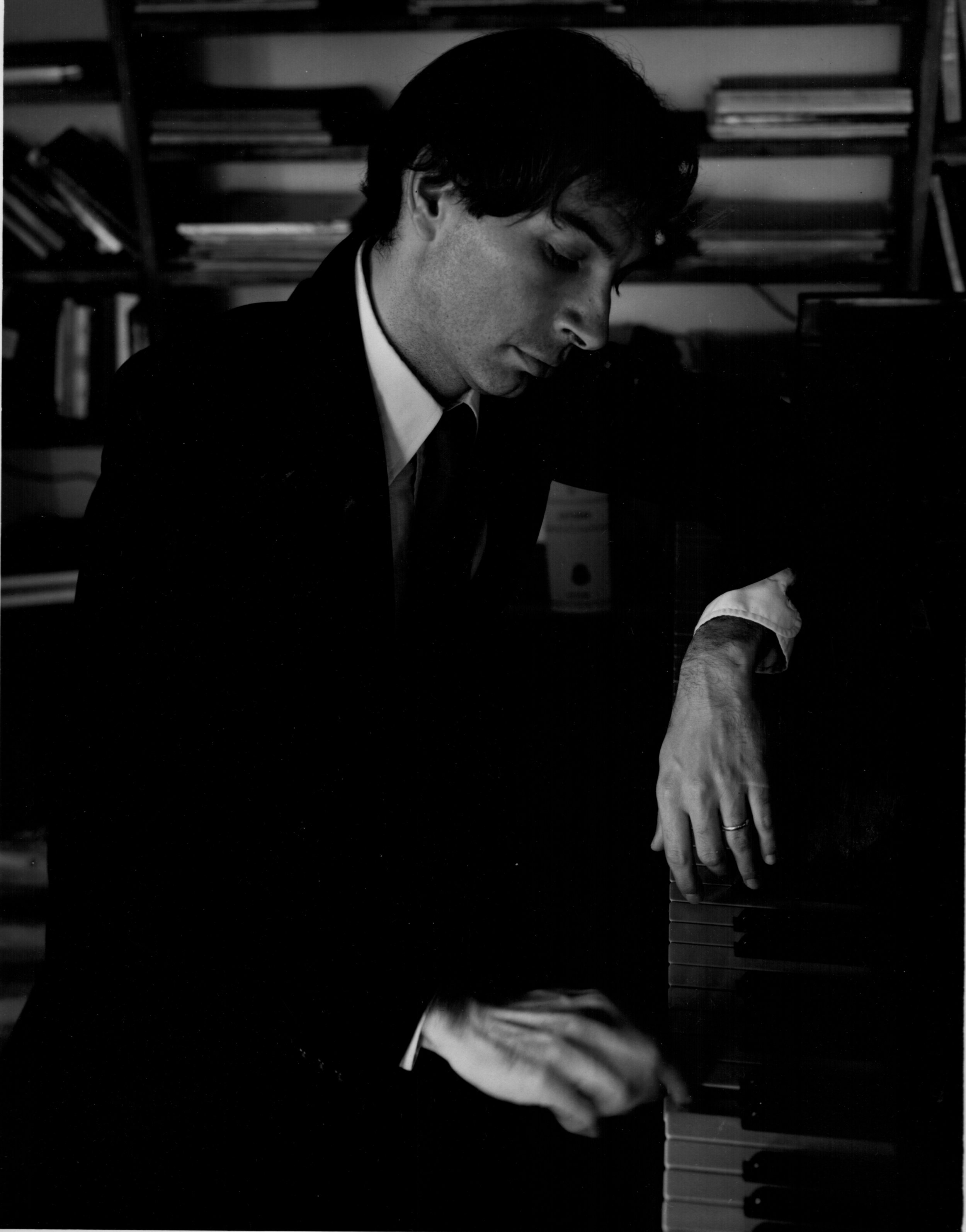 Peter Pesic portrait piano LR.jpg