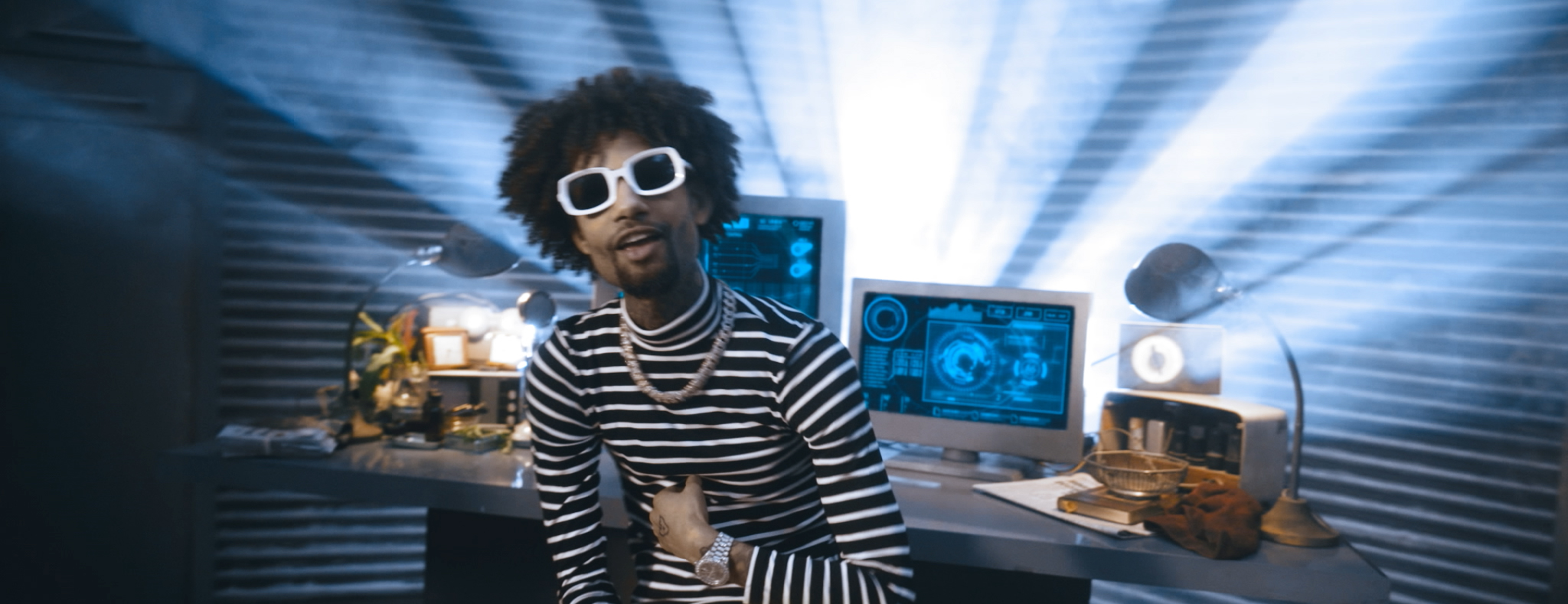 PNB ROCK FT. TEE GRIZZLEY - GO TO MARS (OFFICIAL VIDEO) - DIRECTED BY MAJIK FILMS.mov.00_00_34_09.Still034.jpg