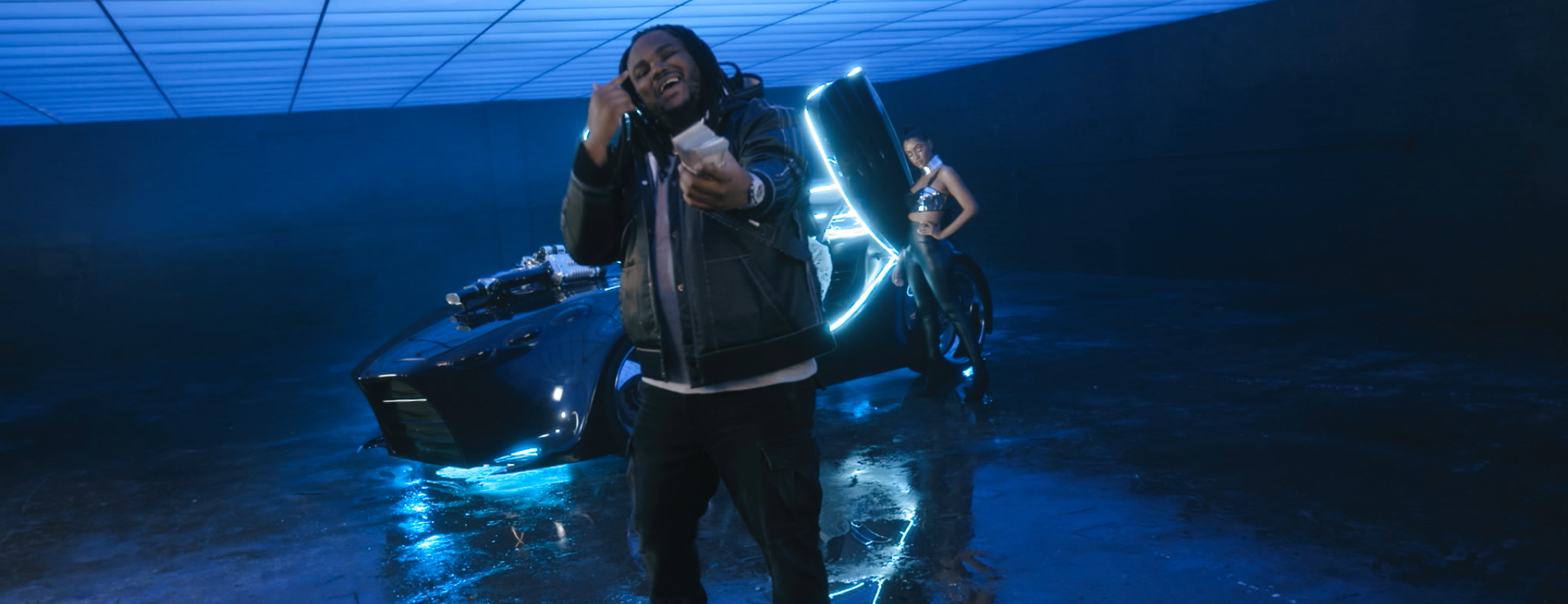 PNB ROCK FT. TEE GRIZZLEY - GO TO MARS (OFFICIAL VIDEO) - DIRECTED BY MAJIK FILMS.mov.00_01_45_08.Still116.jpg