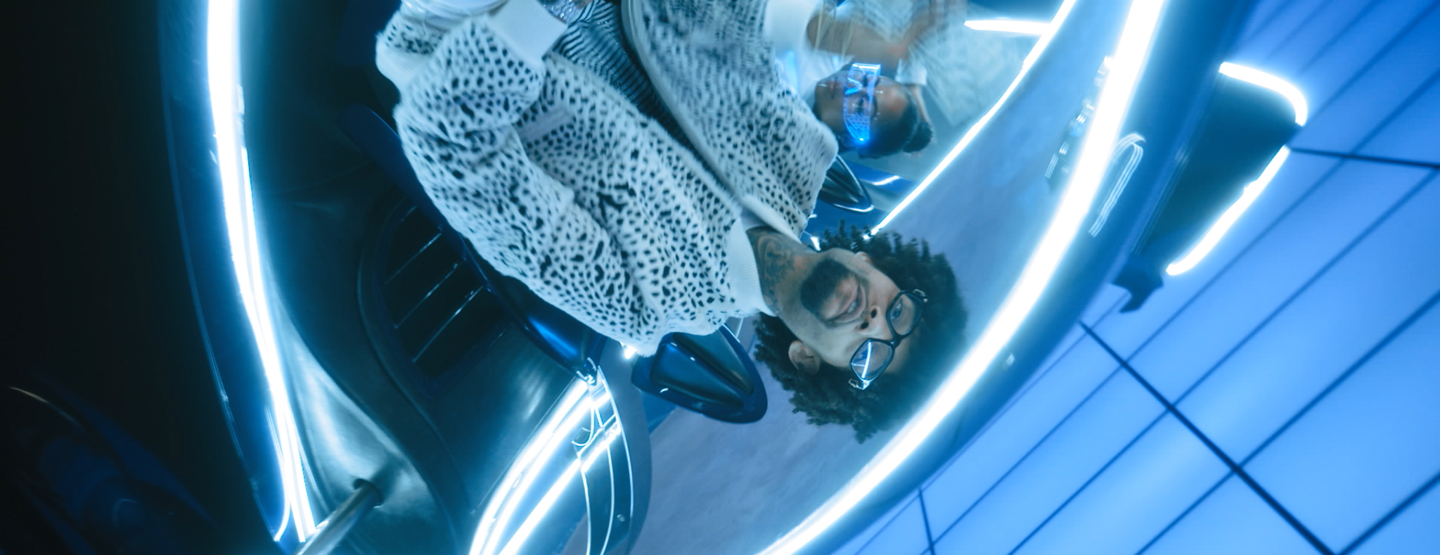 PNB ROCK FT. TEE GRIZZLEY - GO TO MARS (OFFICIAL VIDEO) - DIRECTED BY MAJIK FILMS.mov.00_02_09_05.Still149.jpg