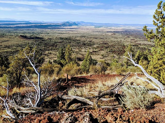 Lava Beds looking towards legendary Modoc Captain Jack's ill-fated hideout. After returning to this land, he eventually surrendered only to be hanged shortly after #manifestdestiny #paintedlands #indianwars