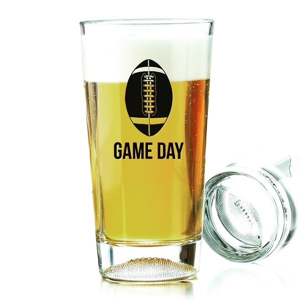 Join us tonight for $1 off your beers during the game, as well as complimentary minestrone and snacks, courtesy of our favorite Monday night man, Don! 🍻🏈 #101NorthBrewing #MondayNightFootball #DollarOffBeers #TheBESTMinestrone #MondayNightsWith101 #PetalumaCraftBrews