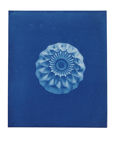 Jessie Brennan_Ashtray_2016_cyanotype_27-2 x 22-6 cm_Drawing Biennale 2017_low res.jpg