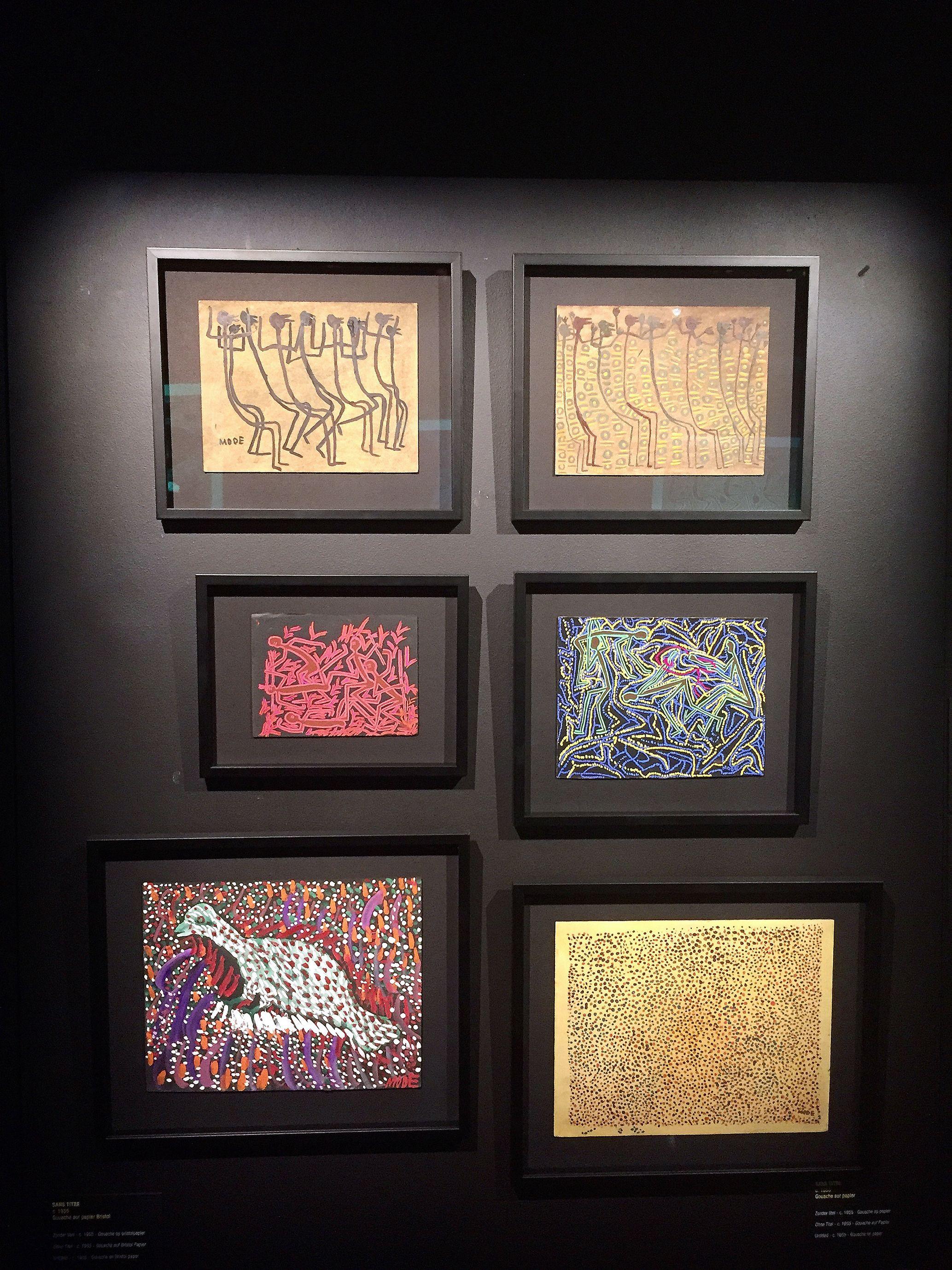 Vue de l'exposition retrospective Mode Muntu à la Cité Miroir à Liège. Les œuvres remarquables des premières années de l'artiste.