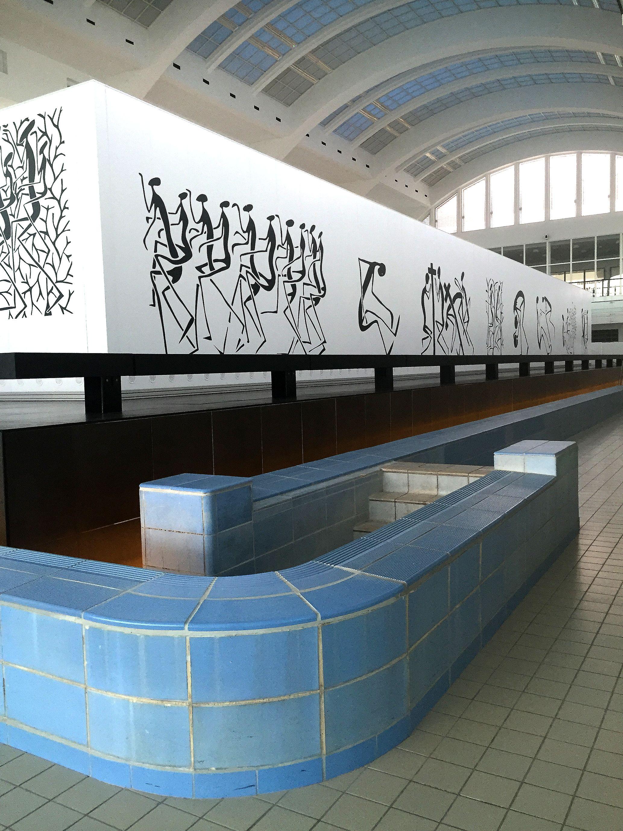 Vue de l'exposition Mode Muntu à Liège, à la Cité miroir.