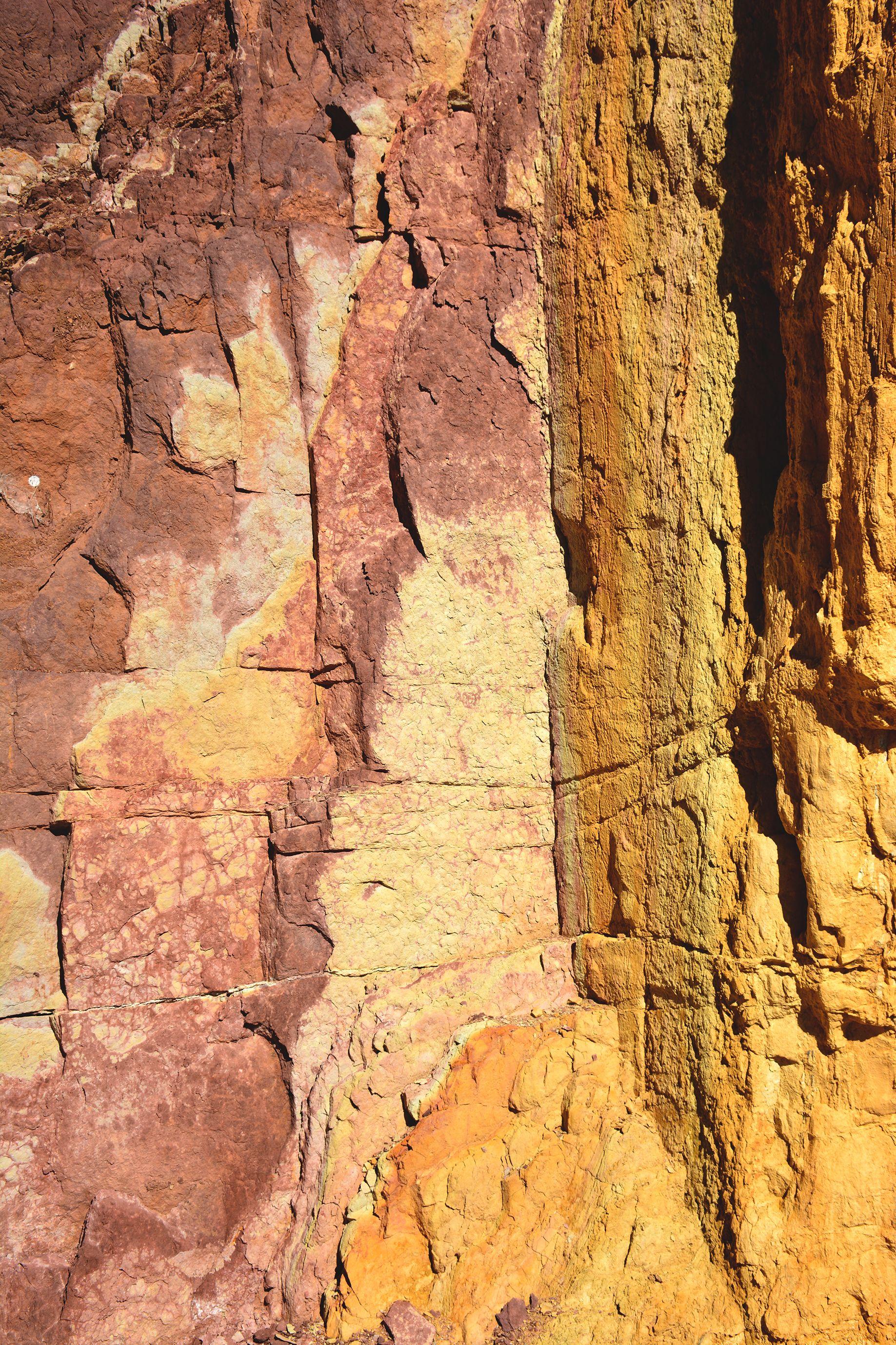 Carrière d'ocre dans les territoires Aborigènes. 2014. © Photo : Aboriginal Signature Estrangin.