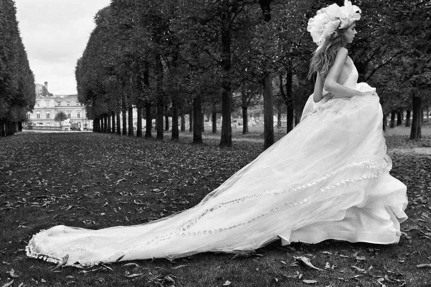 vera-wang-wedding-dresses-fall-2018-010.jpg