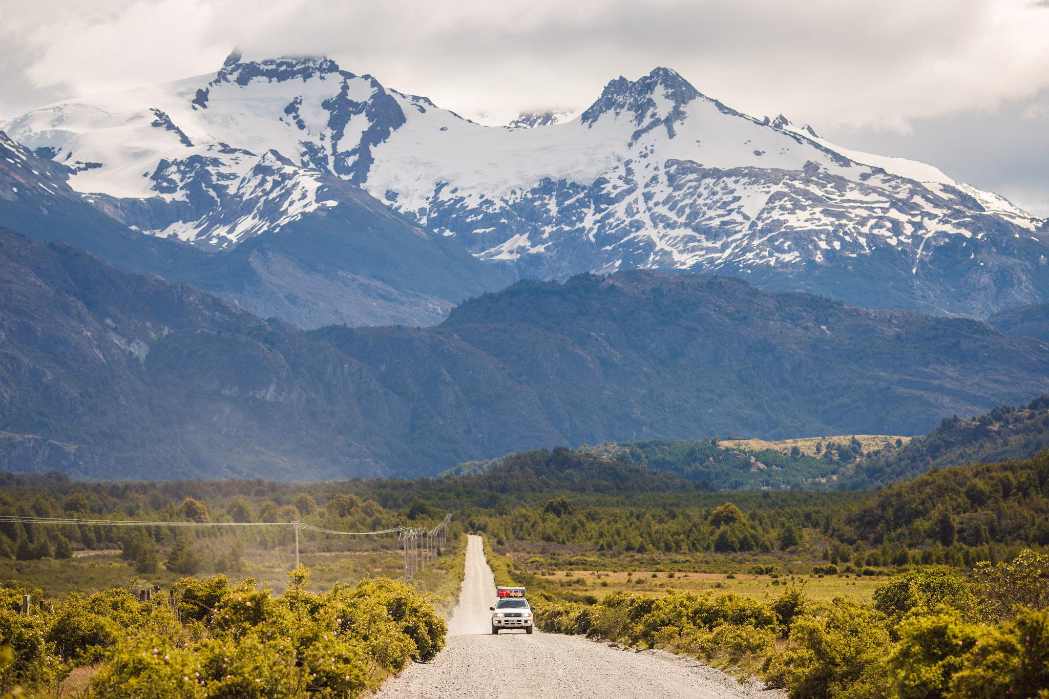 pablo-antonio-nissan-pathfinder-mountains-road-chile-argentina