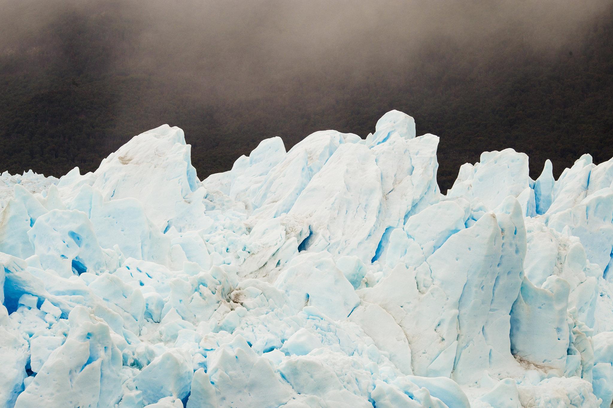Wedding-Travellers-Overlanding-Destination-Wedding-Chile-Patagonia-Glacier-Perito-Moreno-ice-detail