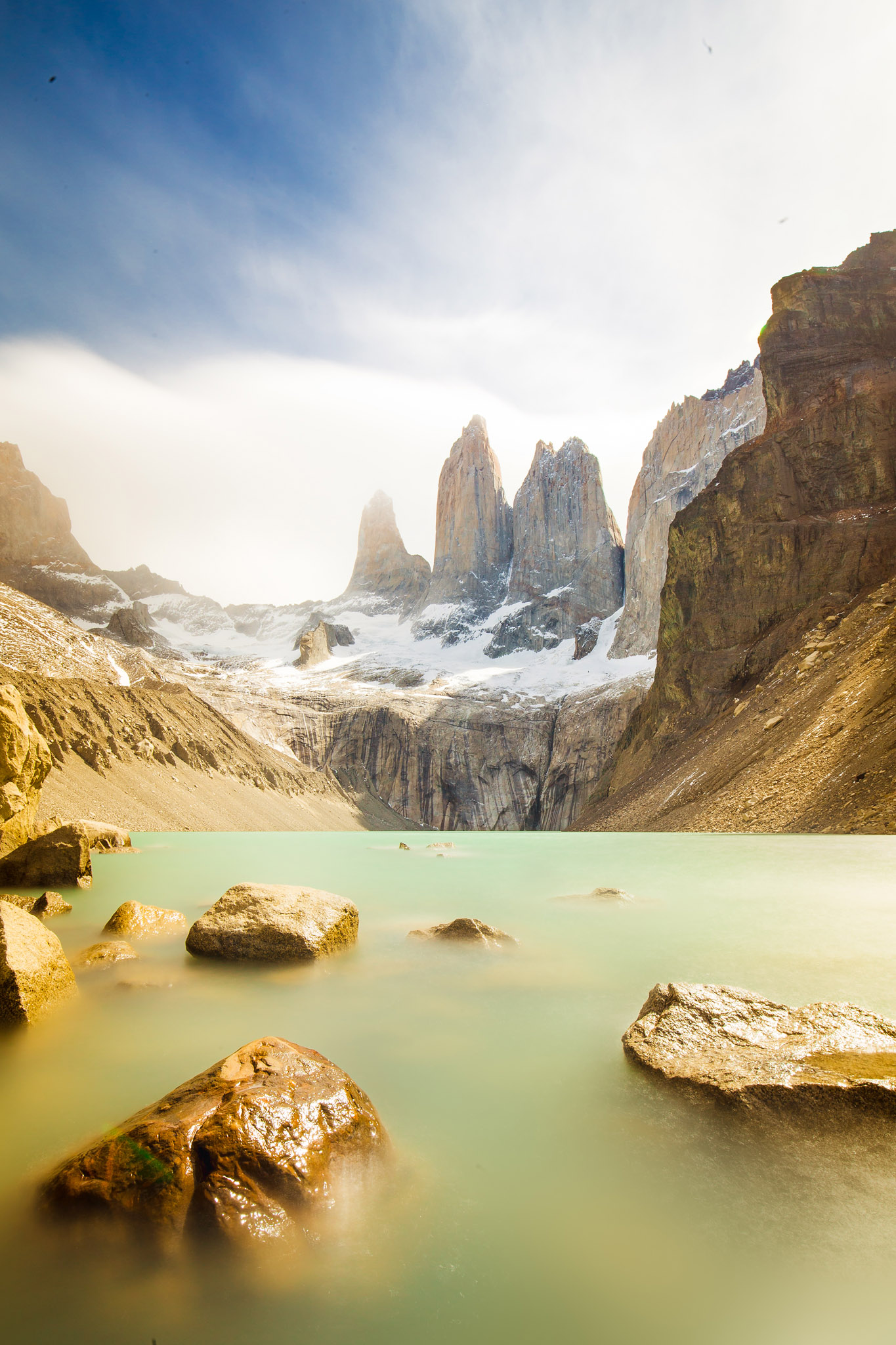 Wedding-Travellers-Overlanding-Destination-Wedding-Chile-Torres-del-Paine-Tres-Torres-Three-Towers-lake-emerald-Patagonia