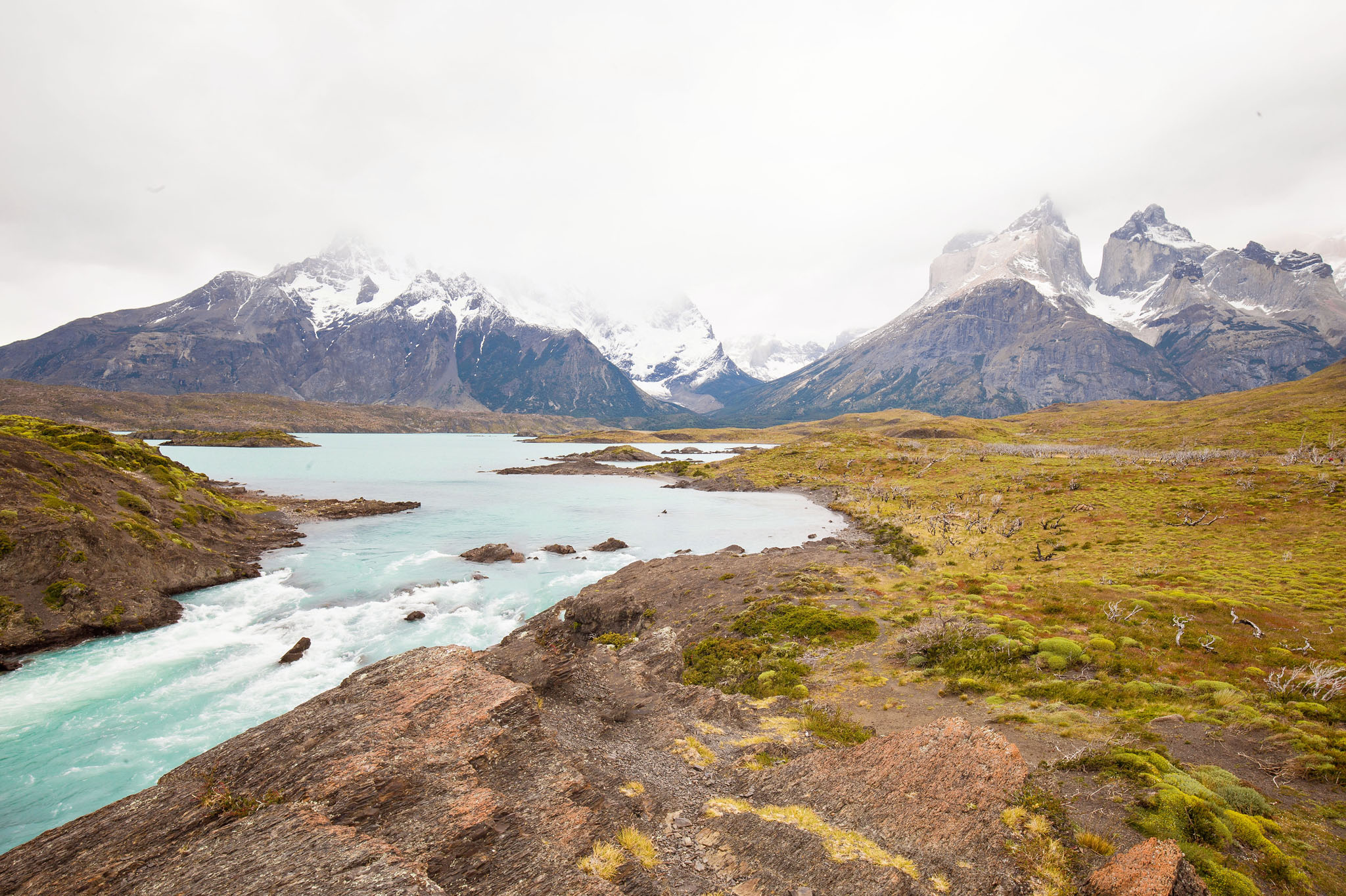 Wedding-Travellers-Overlanding-Destination-Wedding-Chile-Torres-del-Paine-turquoise-river-los-cuernos
