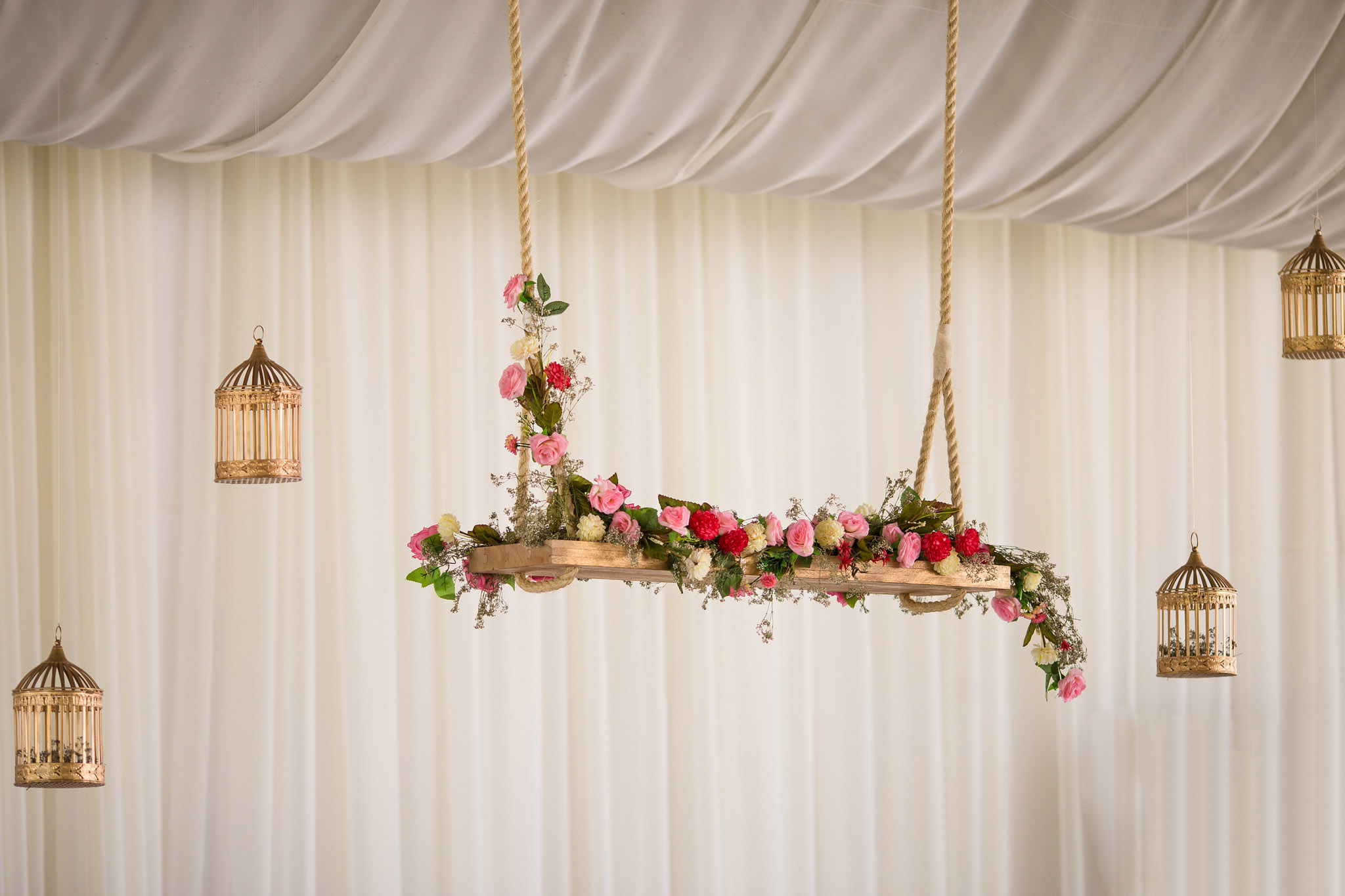wedding-bolivia-la-paz-decoration-flower-swing