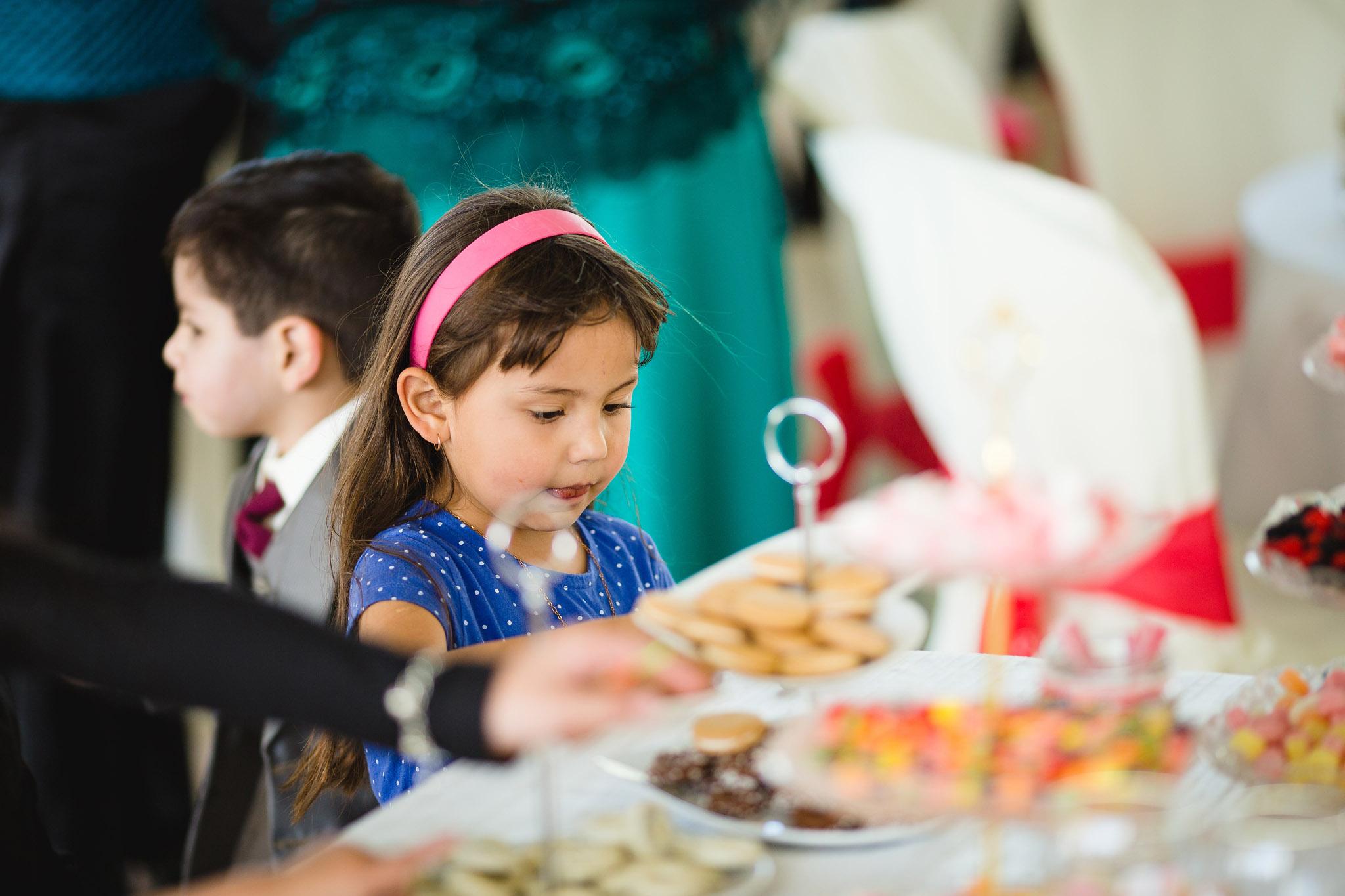 wedding-bolivia-la-paz-candy-bar-kids