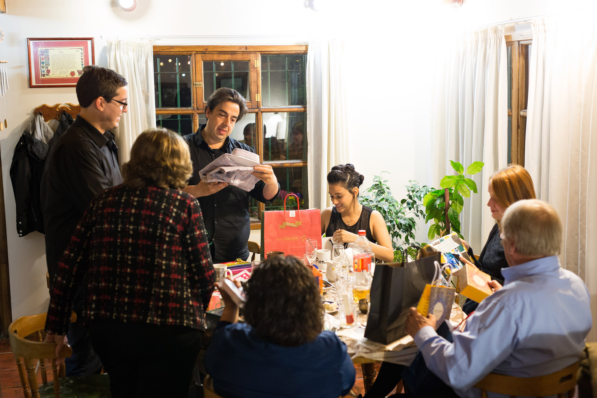 wedding-travellers-destination-wedding-argentina-fin-del-mundo-end-world-ushuaia-christmas-friends-family