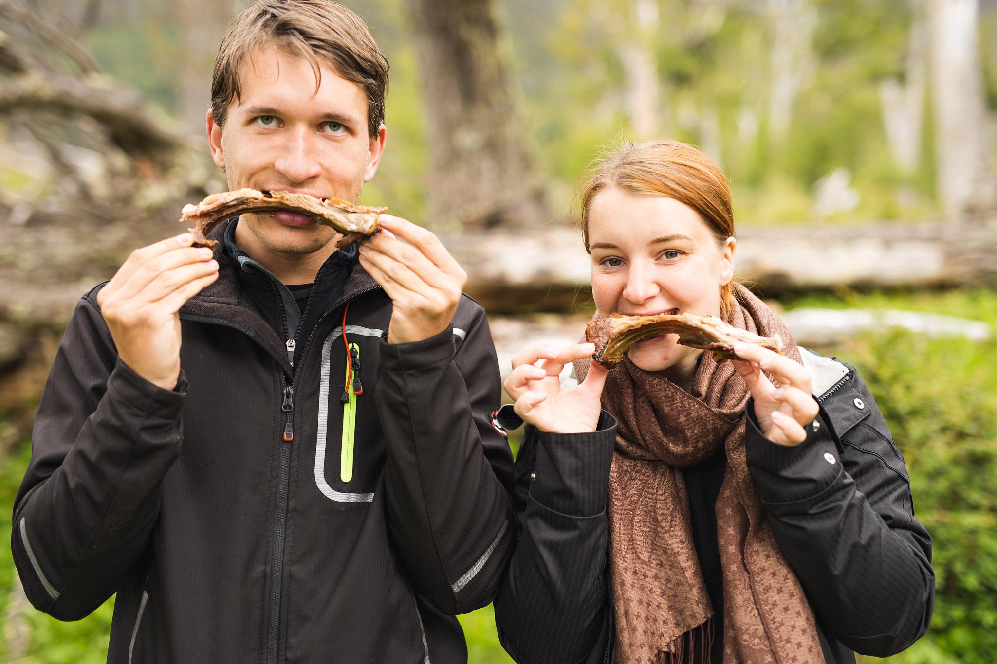 Wedding_Travellers_Ushuaia_Overlanding_fin_del_mundo-laguna-esmeralda-meat-lovers-couple-asado