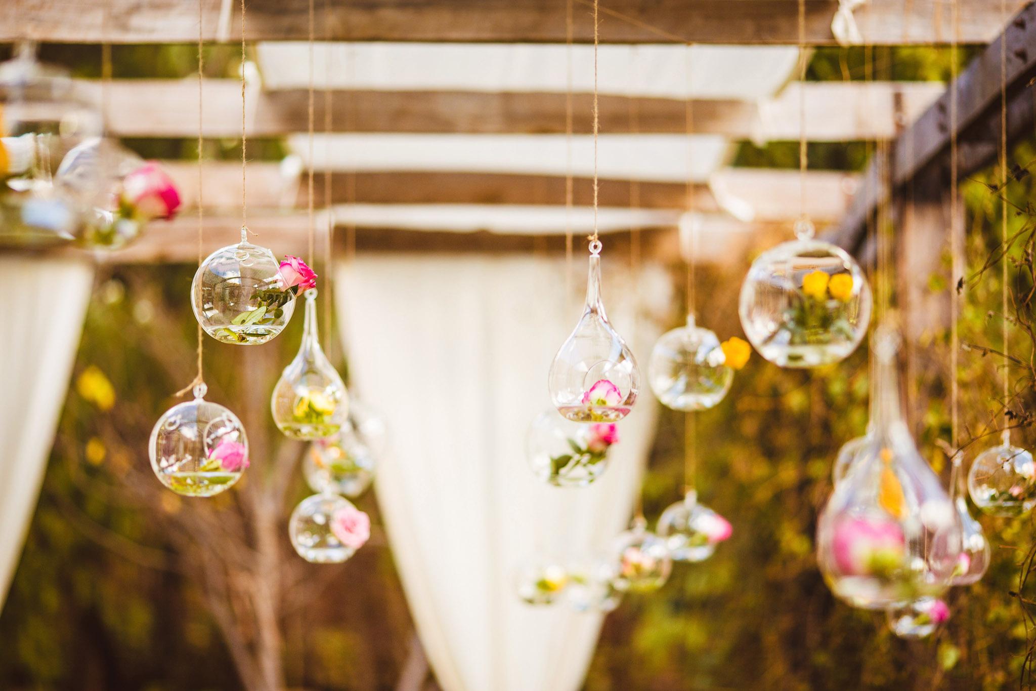 Wedding-Travellers-Destination-Wedding-Peru-Cusco-Hacienda-Sarapampa-Sacred-Valley-rose-decoration