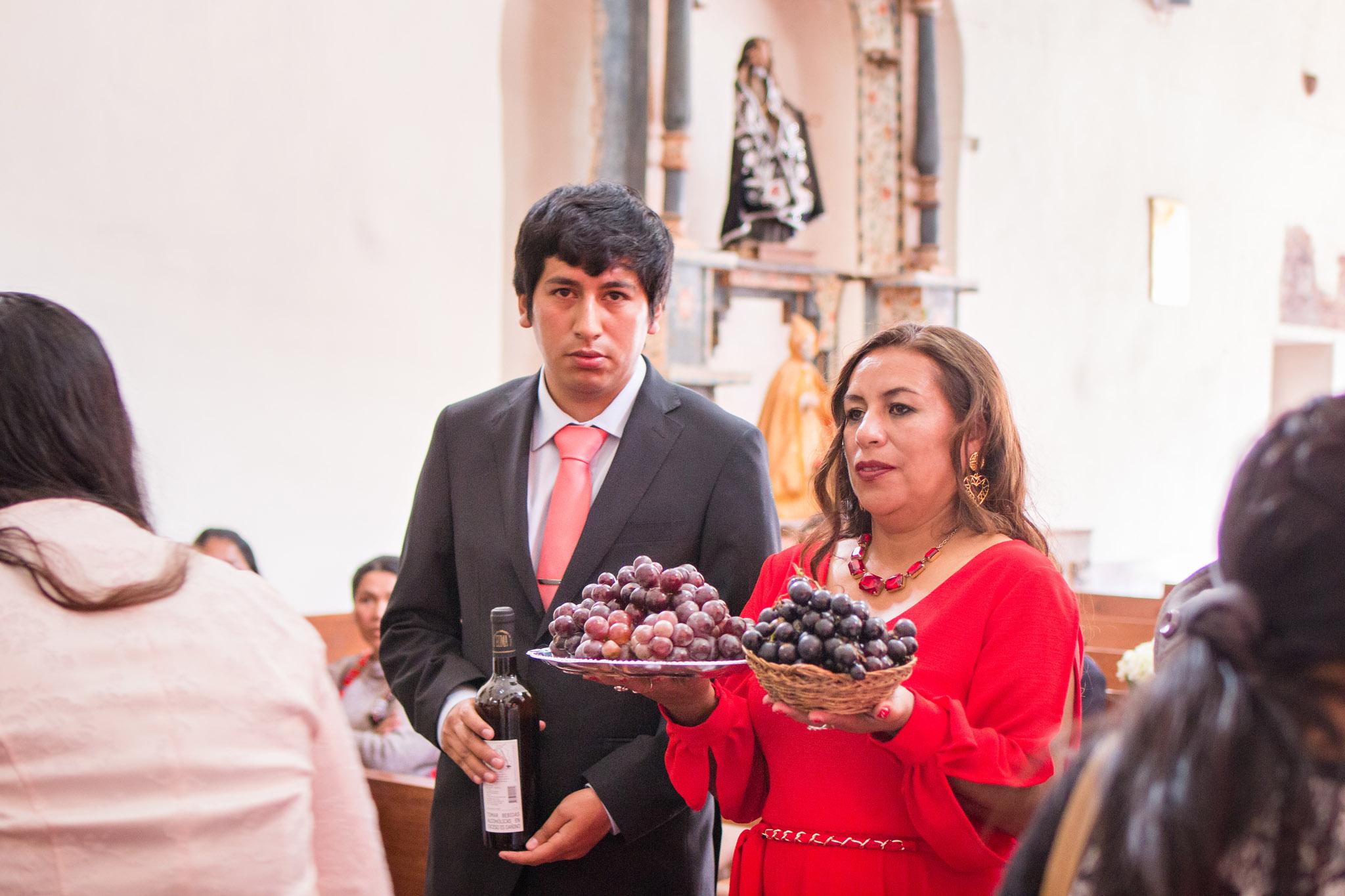 Wedding-Travellers-Destination-Wedding-Peru-Cusco-Hacienda-Sarapampa-Sacred-Valley-church-traditions-grapes-vine