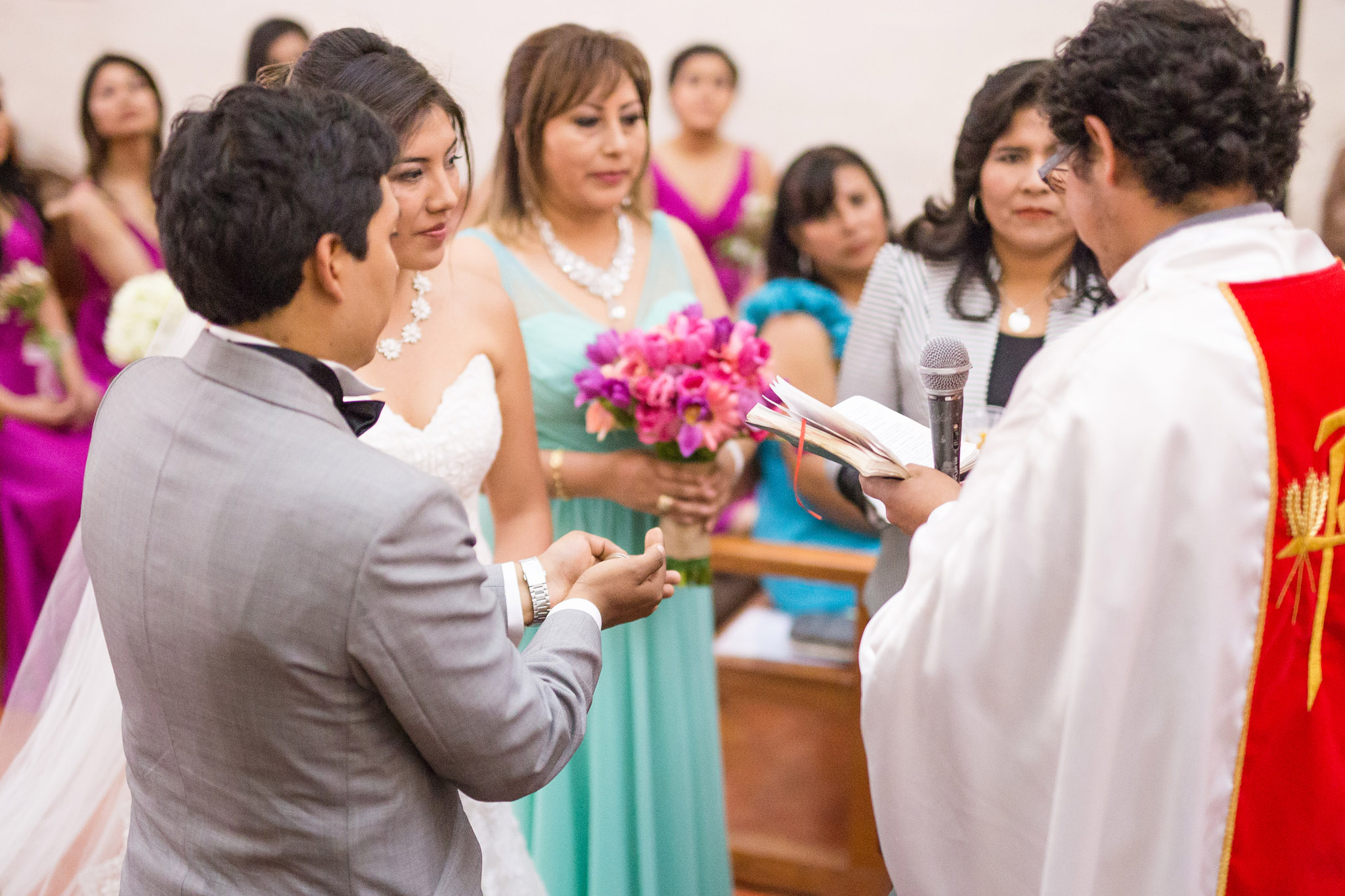 Wedding-Travellers-Destination-Wedding-Peru-Cusco-Hacienda-Sarapampa-Sacred-Valley-arras-exchange-coins