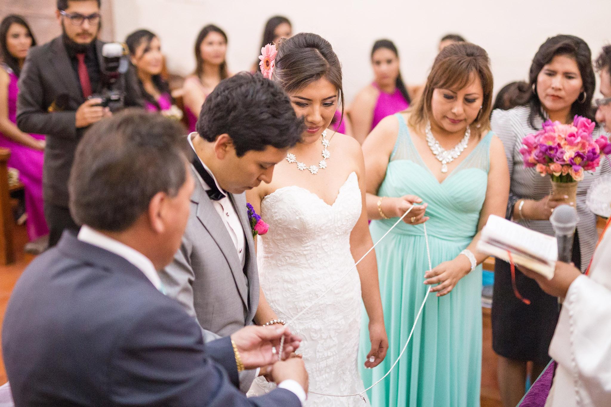Wedding-Travellers-Destination-Wedding-Peru-Cusco-Hacienda-Sarapampa-Sacred-Valley-cord-lasso