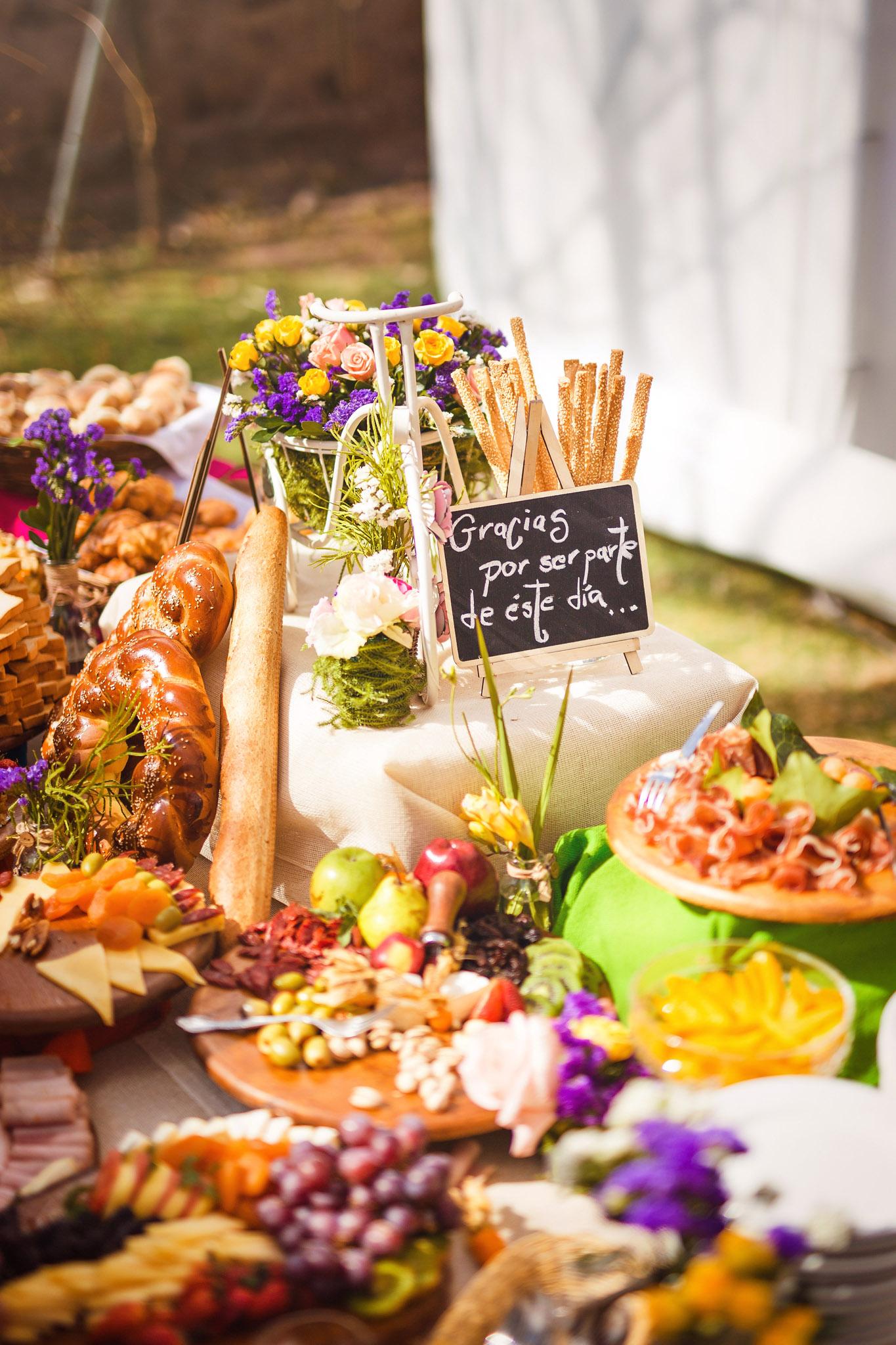 Wedding-Travellers-Destination-Wedding-Peru-Cusco-Hacienda-Sarapampa-Sacred-Valley-reception-finger-food