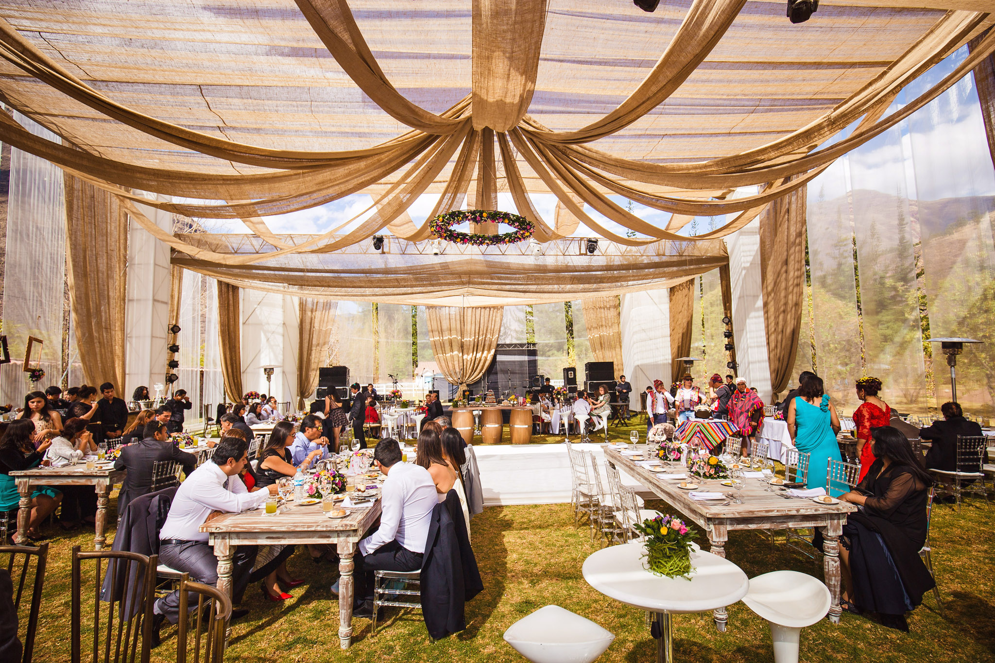 Wedding-Travellers-Destination-Wedding-Peru-Cusco-Hacienda-Sarapampa-Sacred-Valley-reception