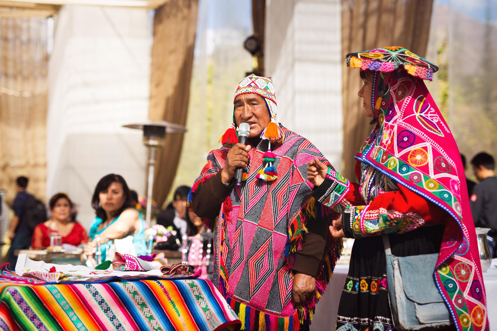 Wedding-Travellers-Destination-Wedding-Peru-Cusco-Hacienda-Sarapampa-Sacred-Valley-traditional-andean-ceremony