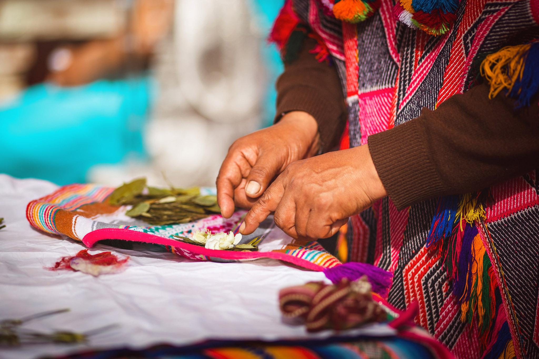 Wedding-Travellers-Destination-Wedding-Peru-Cusco-Hacienda-Sarapampa-Sacred-Valley-traditional-andean-ceremony-preparing-despacho