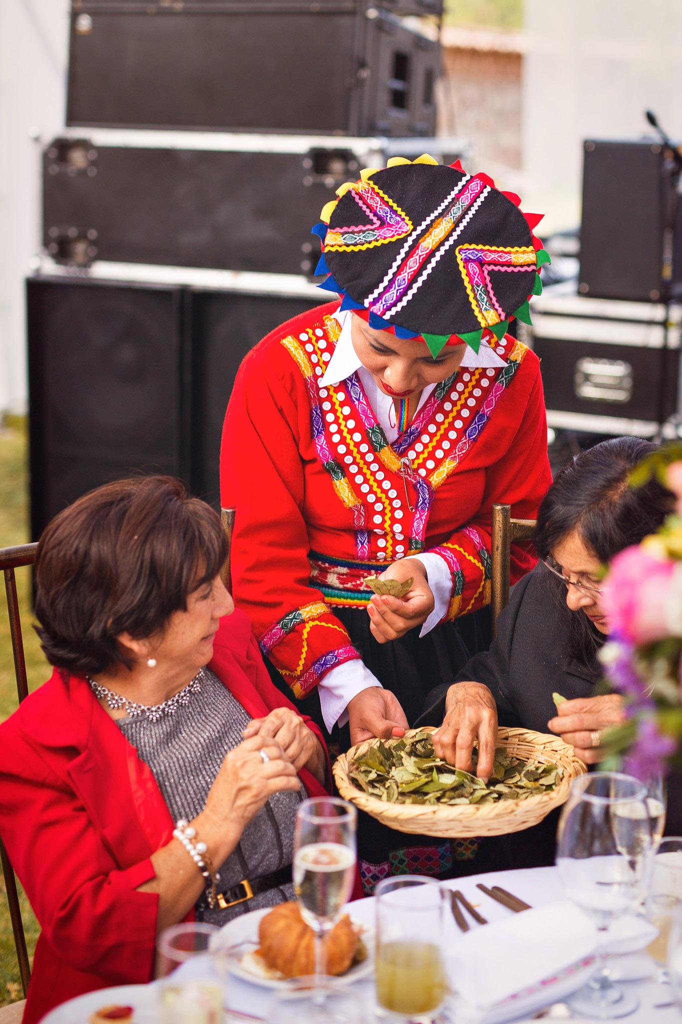 Wedding-Travellers-Destination-Wedding-Peru-Cusco-Hacienda-Sarapampa-Sacred-Valley-traditional-andean-ceremony-coca-leafs-shamrock-three
