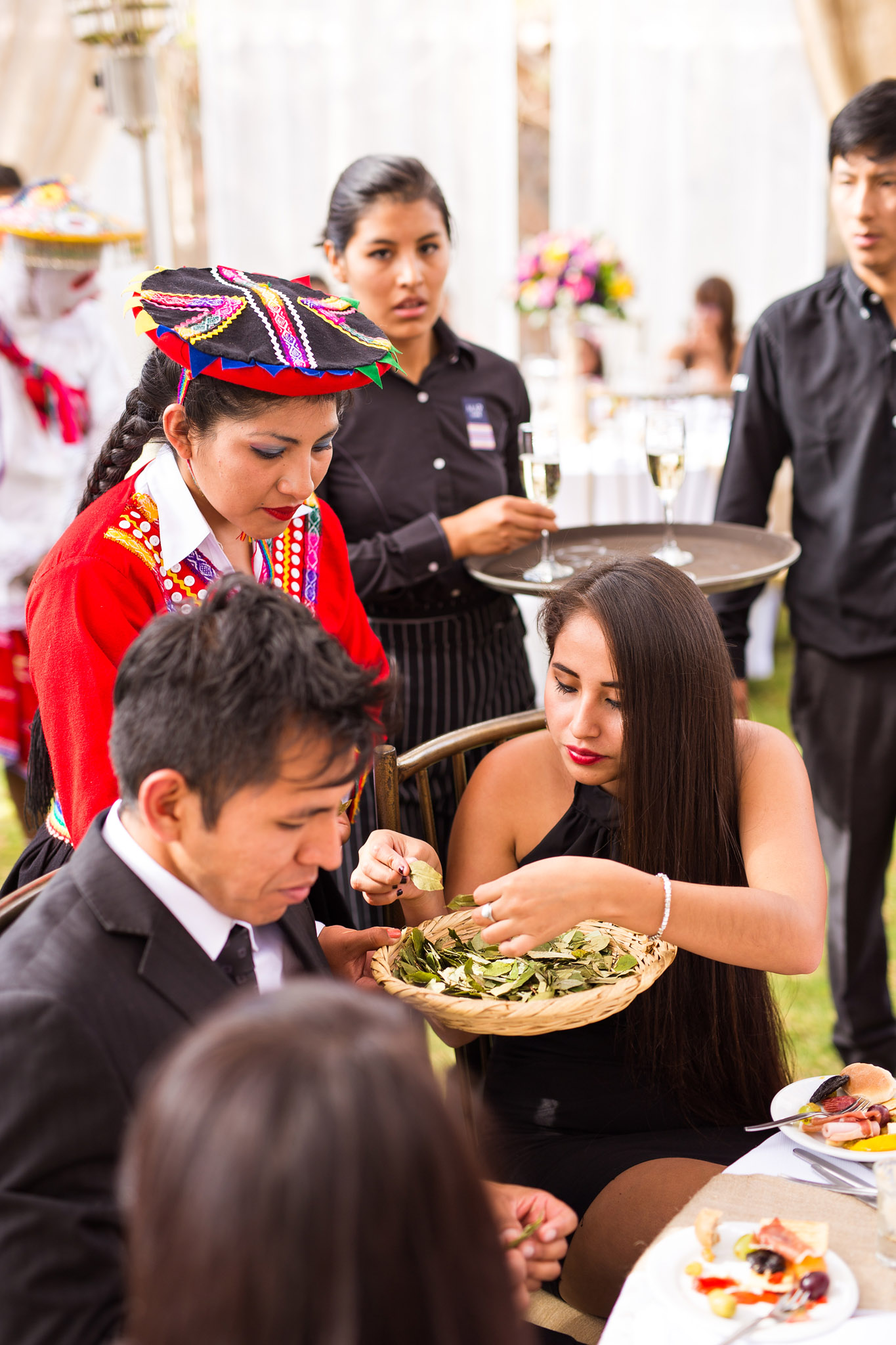 Wedding-Travellers-Destination-Wedding-Peru-Cusco-Hacienda-Sarapampa-Sacred-Valley-traditional-andean-ceremony-coca-leaf