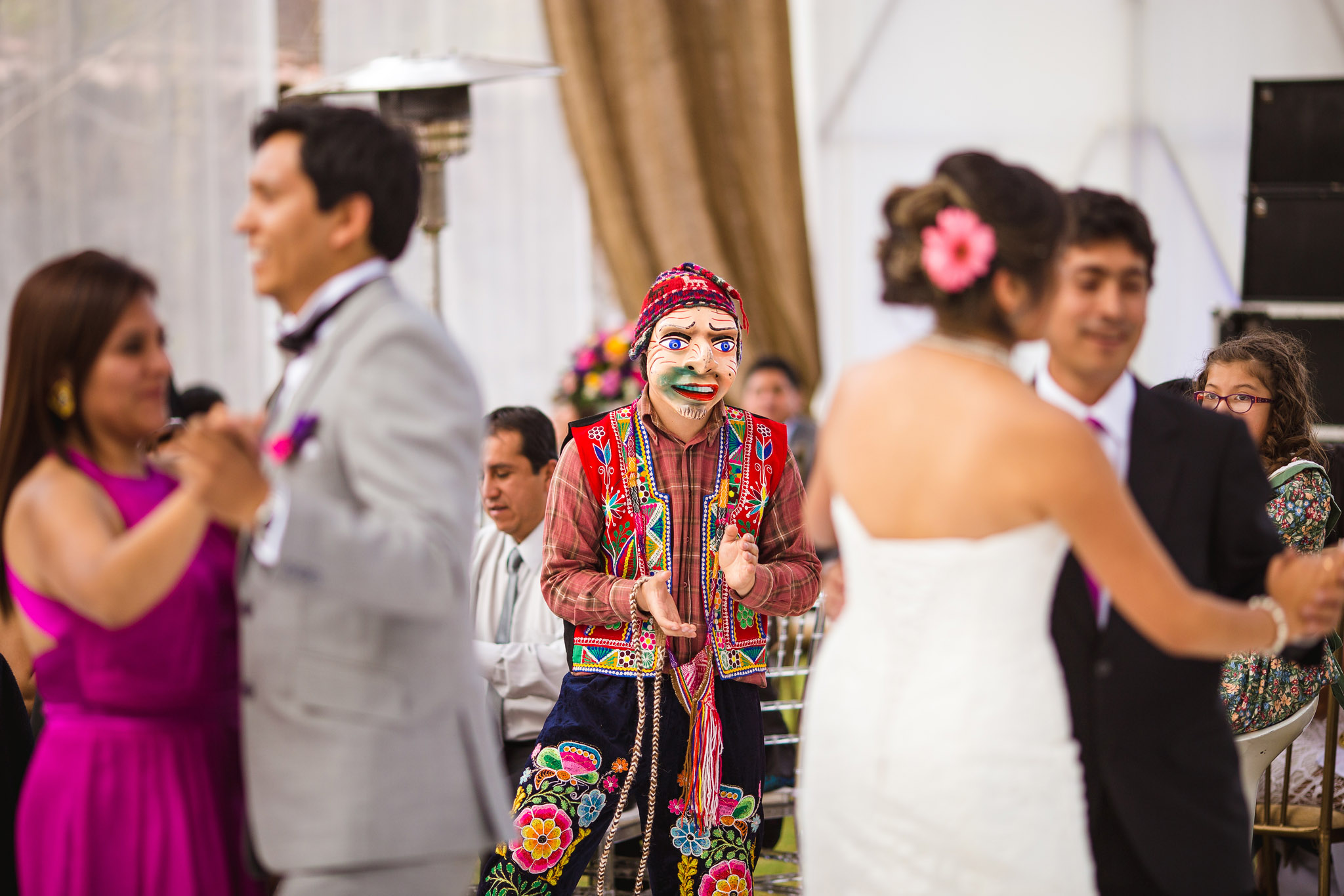 Wedding-Travellers-Destination-Wedding-Peru-Cusco-Hacienda-Sarapampa-Sacred-Valley-dance