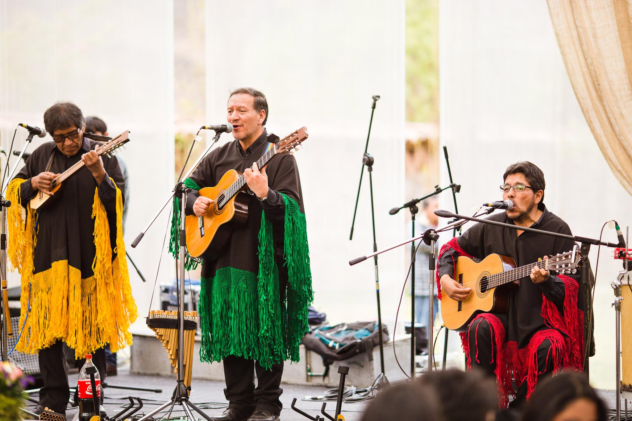 Wedding-Travellers-Destination-Wedding-Peru-Cusco-Hacienda-Sarapampa-Sacred-Valley-traditional-band