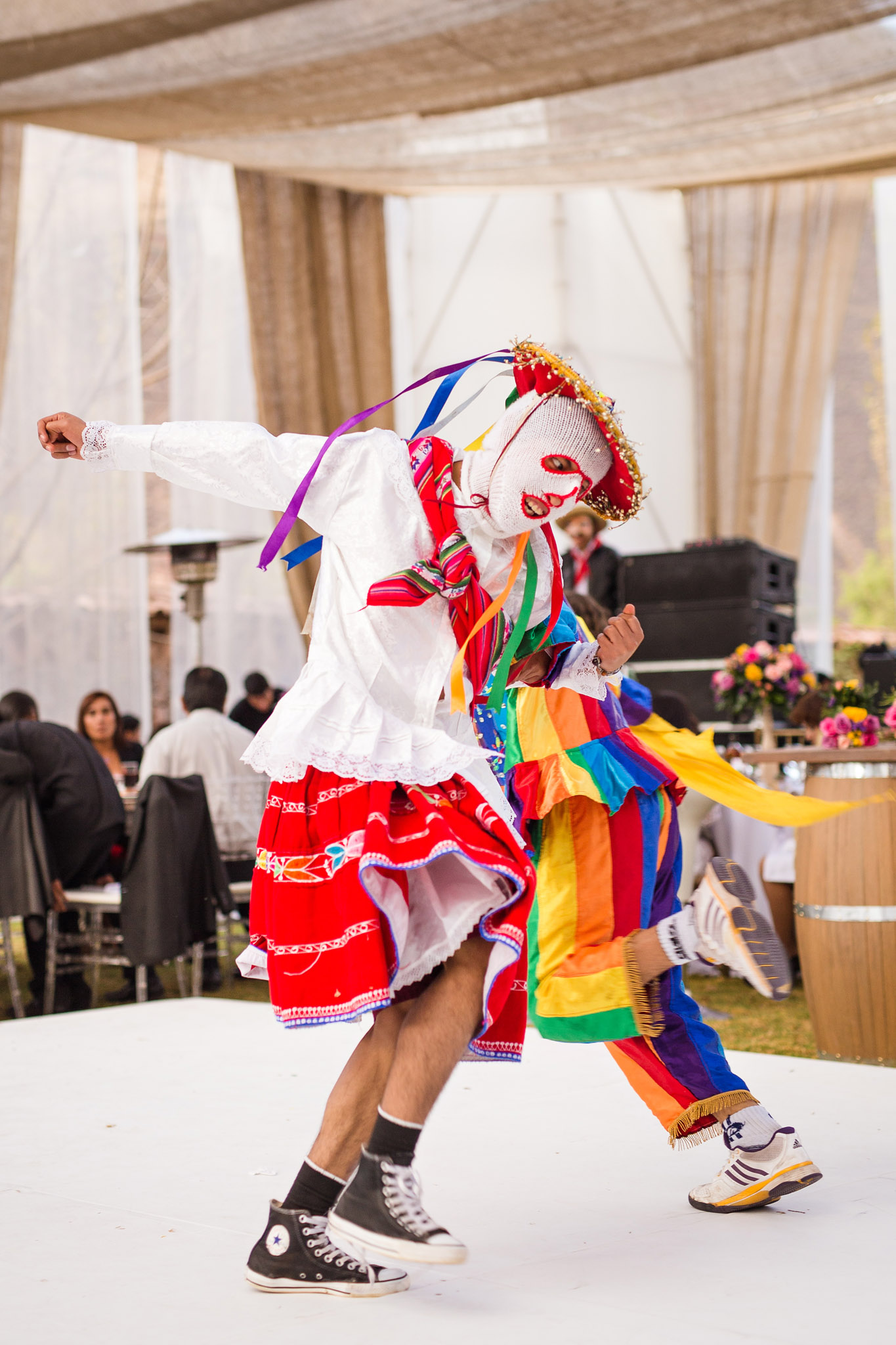 Wedding-Travellers-Destination-Wedding-Peru-Cusco-Hacienda-Sarapampa-Sacred-Valley-traditional-costume-entertainment