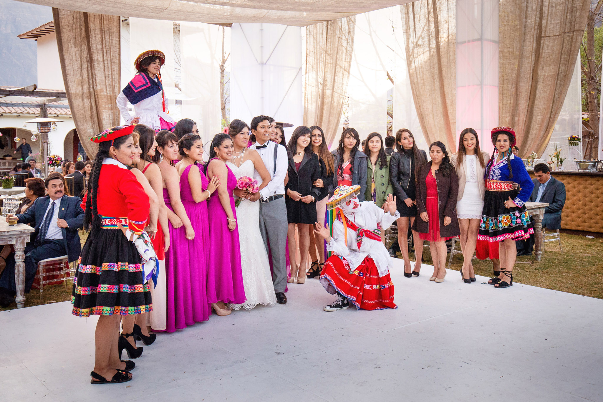 Wedding-Travellers-Destination-Wedding-Peru-Cusco-Hacienda-Sarapampa-Sacred-Valley-destination-bouquet-toss